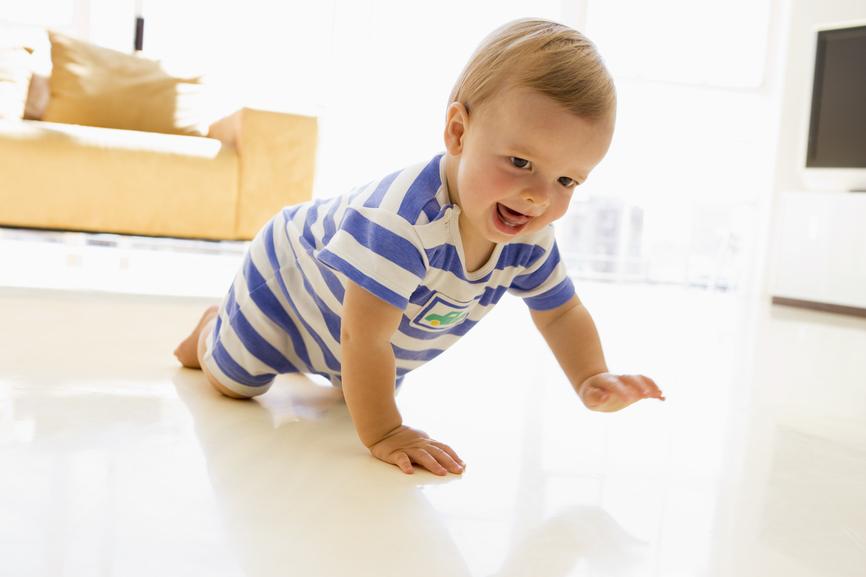 Estímulos para que el bebé gatee