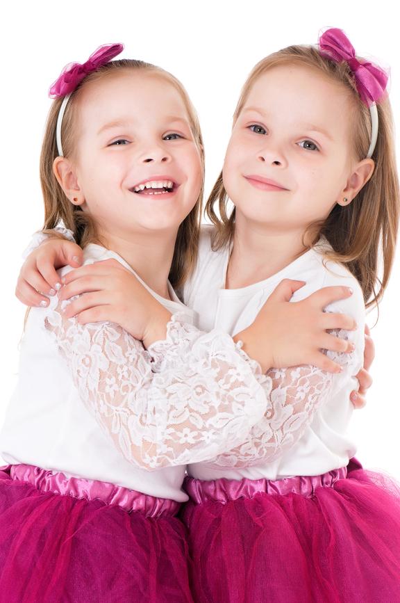 Vestir gemelos iguales - Niñas gemelas